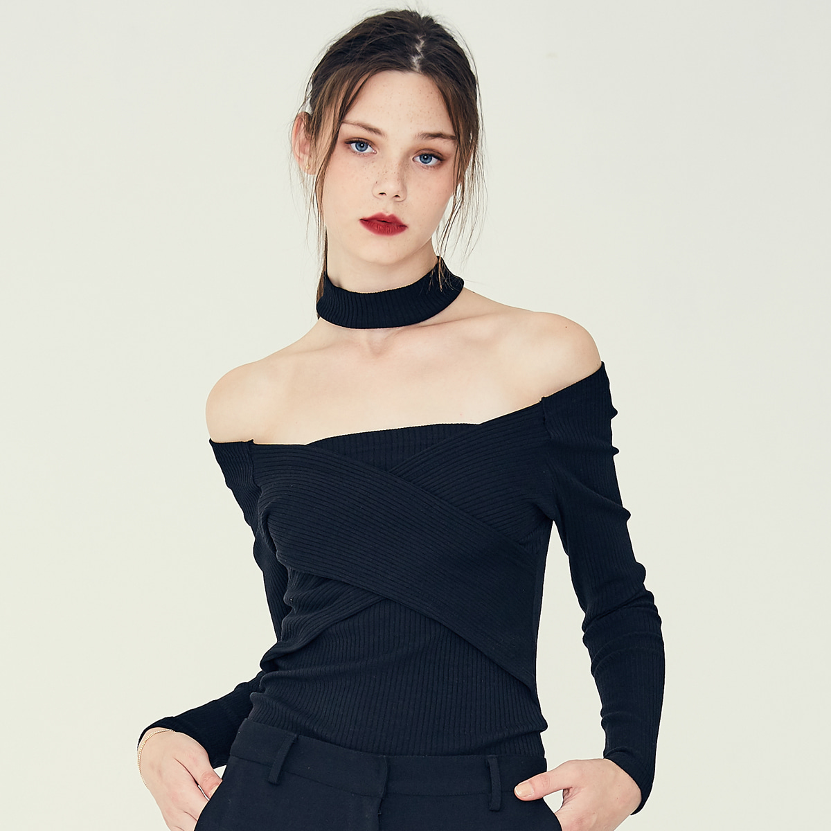 LE OFF SHOULDER(BLACK)