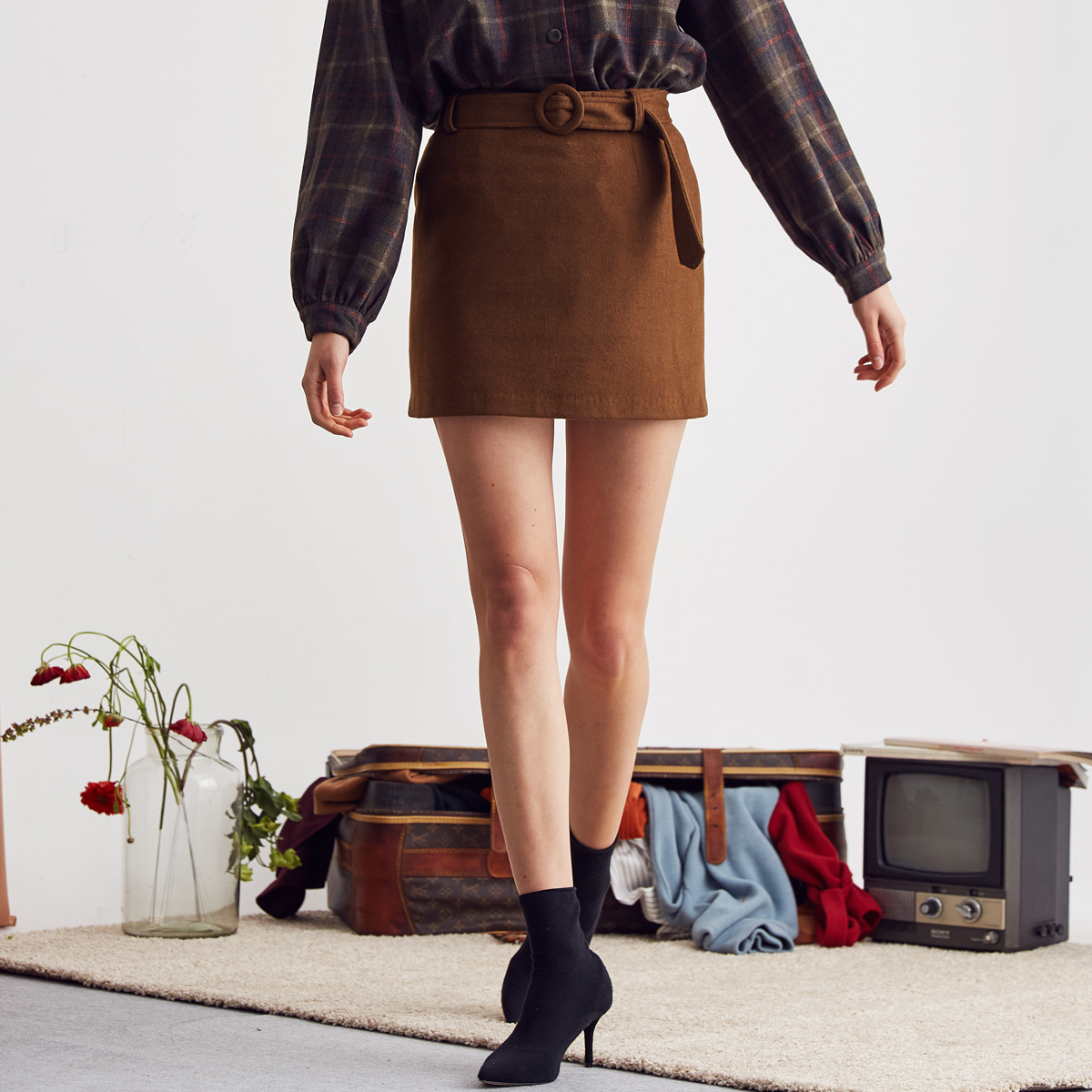 LA BELTED SKIRT(BROWN)