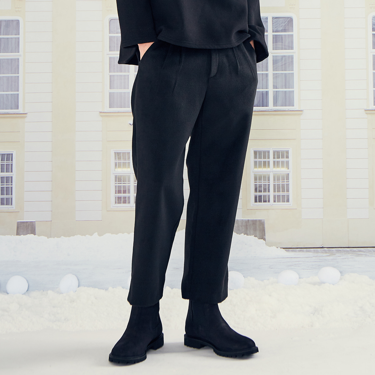 (UNISEX)LO LOGO SLACKS(BLACK)