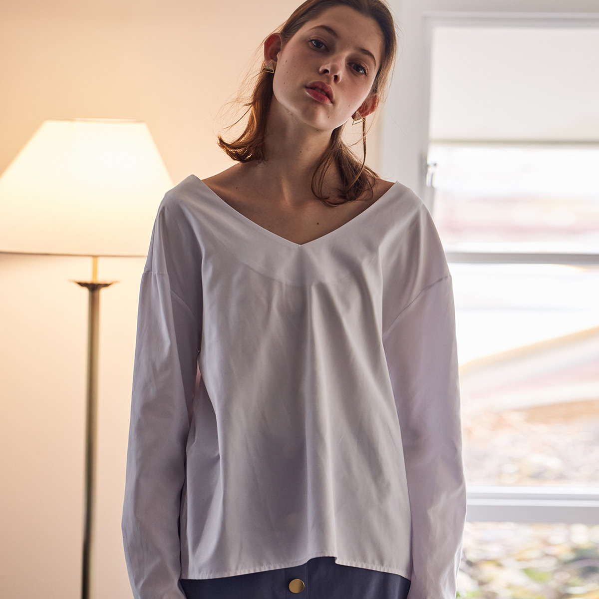 LS V-NECK BLOUSE(WHITE)